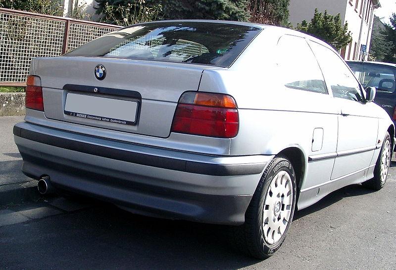 [Obrazek: 800px-BMW_E36_Compact_rear.jpg]