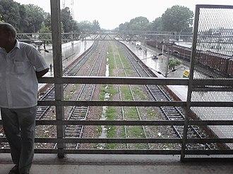 Barabanki Junction railway station - Image: Barabanki Jn Railway Station Inside View Lucknow side Tracks
