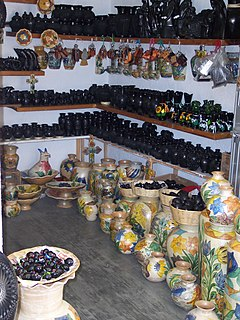 type of black pottery from Mexico