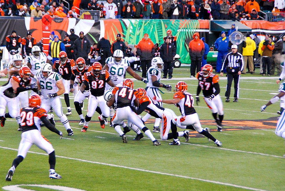 Bengals on defense in Wild Card Game 2010-01-09
