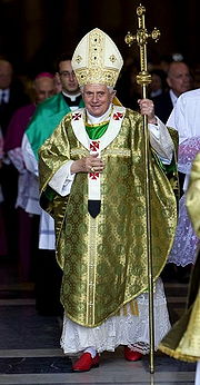 Pope Benedict XVI holding the ferula of Pius IX on 5 October 2008.