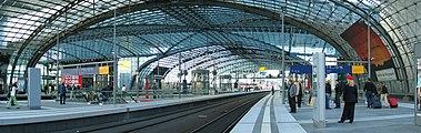 Berlin Hauptbahnhof pano 06.jpg