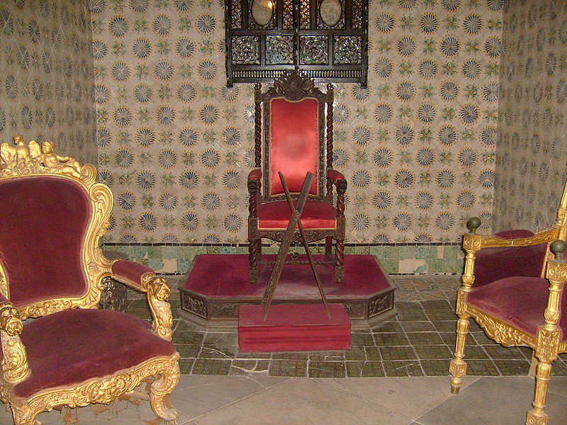 File:Bey of Tunis throne.JPG