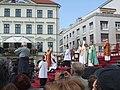 Bratislavské korunovačné slávnosti 2010 - Príchod cirkevných hodnostárov.jpg