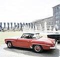 Bundesarchiv B 145 Bild-F013679-0008, Afrikanische Botschafter in Deutschland, Mercedes 190 SL.jpg