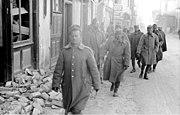 Bundesarchiv Bild 101I-163-0318-09, Griechenland, griechische Soldaten in Ortschaft