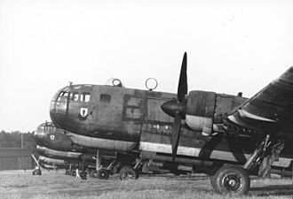 Gondola (airplane) - Heinkel He 177As, with the foreground aircraft's nose prominently showing the highly integrated bola under the cabin