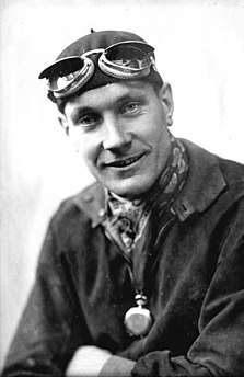 German racecar driver born in 1900