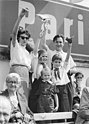 Bundesarchiv Bild 183-30250-0078, Berlin, 1. Mai-Demonstration, Familie Henselmann.jpg