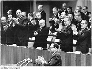 Bert Ramelson - Image: Bundesarchiv Bild 183 F0421 0001 020, Berlin, VII. SED Parteitag, 5.Tag
