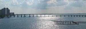 Caloosahatchee Bridge - Image: Caloosahatchee River bridge