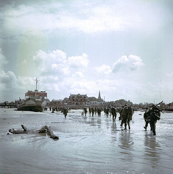 File:Canadian Soldiers Juno Beach Town.jpg