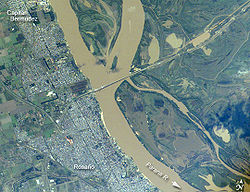 satellite view of Capitán Bermúdez (north), Rosario and the Paraná River