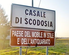 Casale di scodosia welcome sign.jpg