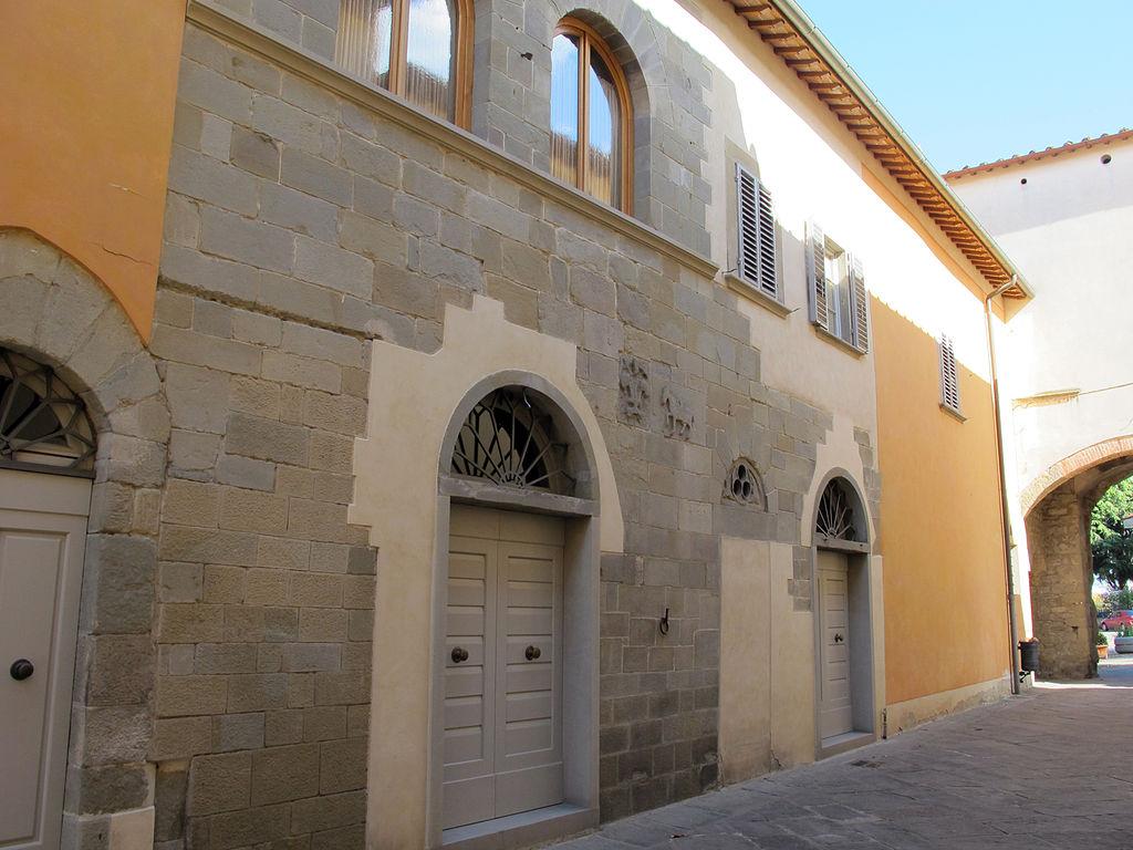 File castelfranco di sopra casa campa 01 jpg wikimedia for Franco casa piani di betz