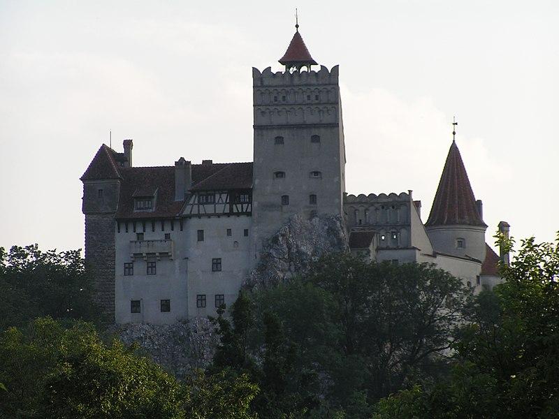 File:CastelulBran.JPG