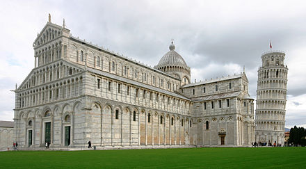 Cathedral and Campanile - Pisa 2014 (2) crop.JPG