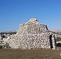 Caussols, Construcción neolítica - panoramio.jpg