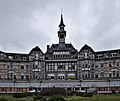 Center partial view of the front of Sanatorium du Basil, Stoumont, Belgium (DSCF3500).jpg