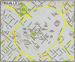 Plano del Centro Histórico de Trujillo en 2012, se obsverva la avenida España construida en magistral forma elíptica, sobre las huellas de lo que fuera la antigua muralla de Trujillo, circundando el monumental centro histórico de la ciudad.