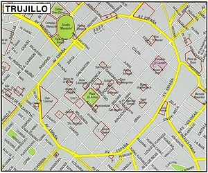 España Avenue (Trujillo) - Map current historic center of Trujillo, still conserves the same structure of its foundation, It is seen the España avenue built over the trace of the old Wall of Trujillo