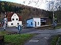 Chrastava-Andělská Hora, zastávka, přejezd a čp. 69 (01).jpg