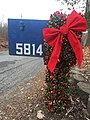 Christmas mailbox (39124776181).jpg