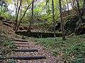 Cinibulkova stezka, horní konec údolí u Obraznice.jpg