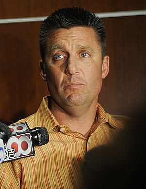 Mike Gundy - Image: Coach Gundy adresses the media after the BCS Countdown (cropped)