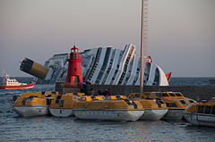 Collision of Costa Concordia 35.jpg