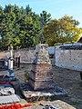 Conflans-sur-Loing-FR-45-cimetière-calvaire-01.jpg