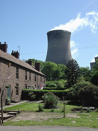 Cottam, Nottinghamshire - Cottages in Cottam, showing cooling tower of Cottam Power Station