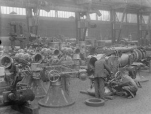 Coventry Ordnance Works - Work on naval gun mountings