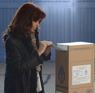 2015 Argentine general election - Then-president Cristina Fernández de Kirchner casting her vote.