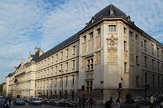 Education in Paris - The Lycée Louis-le-Grand.