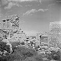 De kuststrook bij Atlit in de buurt van Haifa met de ruine van een kasteel uit d, Bestanddeelnr 255-1479.jpg