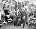 Defilé langs paleis Soestdijk ter gelegenheid van de verjaardag van koningin Jul, Bestanddeelnr 907-7276.jpg