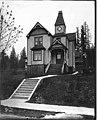 Delta Gamma sorority house, University of Washington, Seattle, ca 1905 (MOHAI 1837).jpg