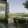 Detail sluisdeur met schade aan baksteen - Ten Boer - 20388155 - RCE.jpg