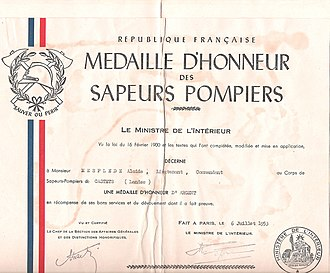 Honour medal for firefighters - 1953 silver medal award certificate for lieutenant Alcide Mespléde