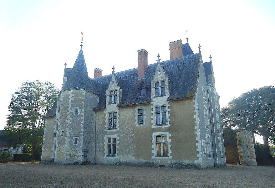 Façade est du Manoir dit château de Lorrière.