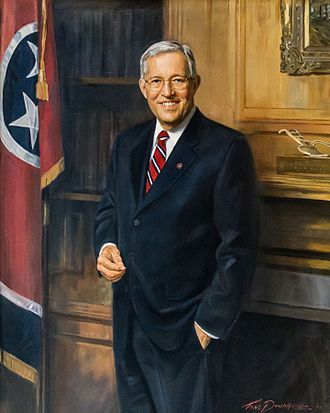 Don Sundquist - Image: Donald Sundquist Tennessee Governor official portrait