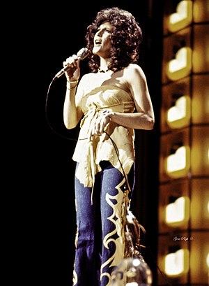 Donna Fargo - Fargo performing in 1978