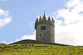 Doonagore Castle, Doolin (506355) (26669839934).jpg