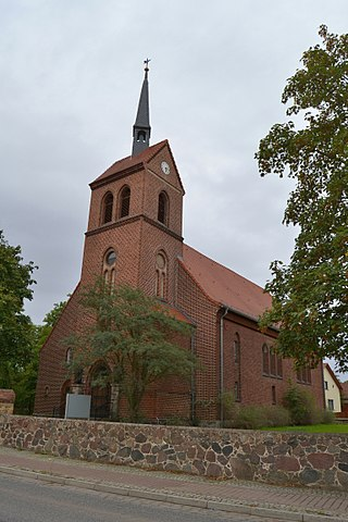 Dorfkirche Petershagen 02.jpg