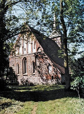 Dorfkirche Vipperow.jpg