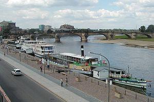 Dresden - Elbe River from Brühl Terrasse.jpg