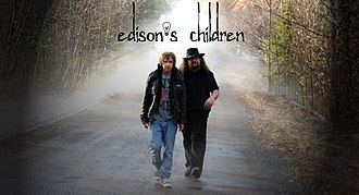 Edison's Children - Edison's Children 2011, Pete Trewavas and Eric Blackwood.