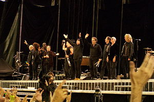 Bruce Springsteen and the E Street Band at the end of a performance, 2009