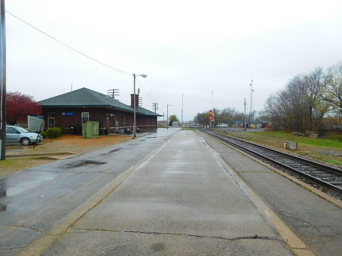 City Line Avenue >> Effingham station - Wikipedia